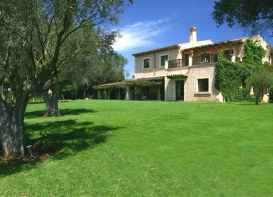 Very impressive country property, beautiful views, pool, gardens,